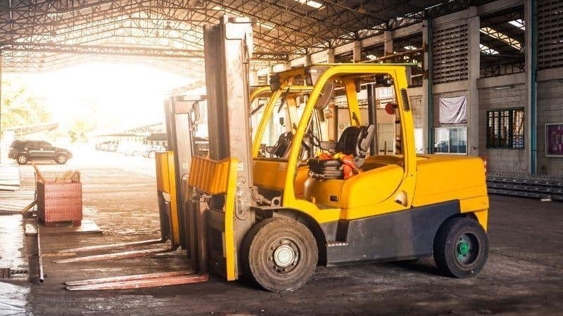 Evidenziare i sistemi di carrelli elevatori automatizzati per la giornata nazionale della sicurezza dei carrelli elevatori